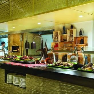 RKTMI_Al Marjan Pizza with chef